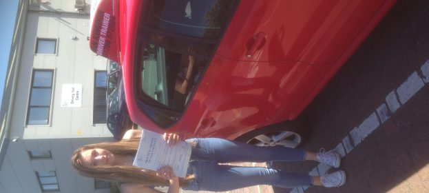 Jodie simmons passed her Driving Test with flying colours.