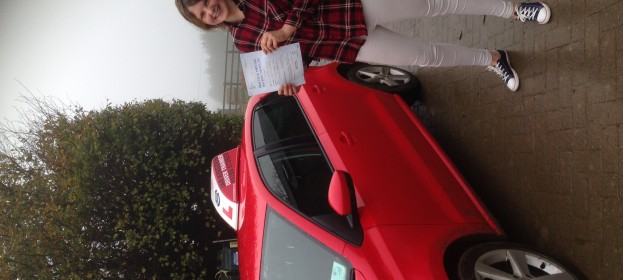 Hannah Trewin passed her Driving Test today.