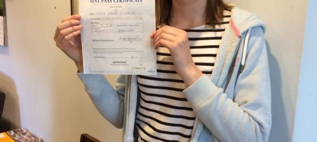 Laura Trawin passed her Driving test today.